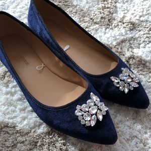 Banana Republic navy velour jeweled flats size 8